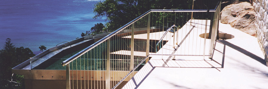 Specifying Stainless Steel for Luxury Beachside Homes